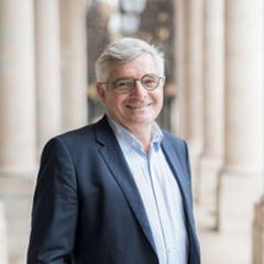 Dr. Emmanuel FAVREUL